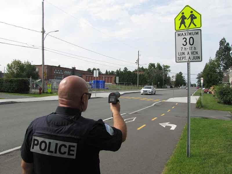 L'équipe de circulation et la patrouille hors-route