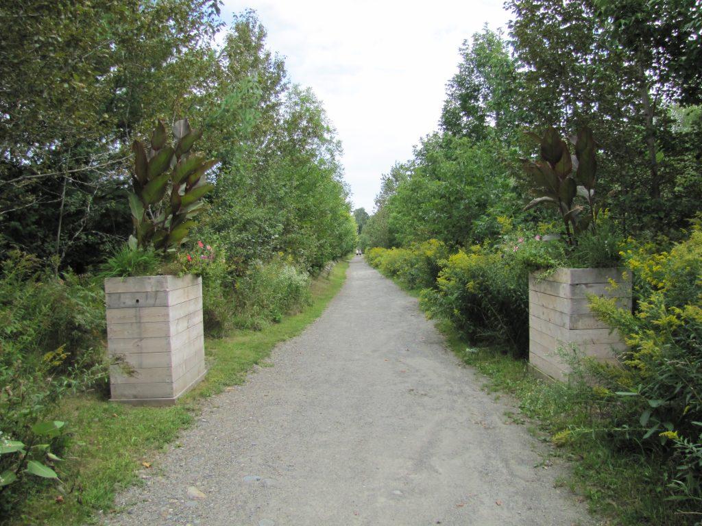 Les sentiers pédestres et le hors-piste