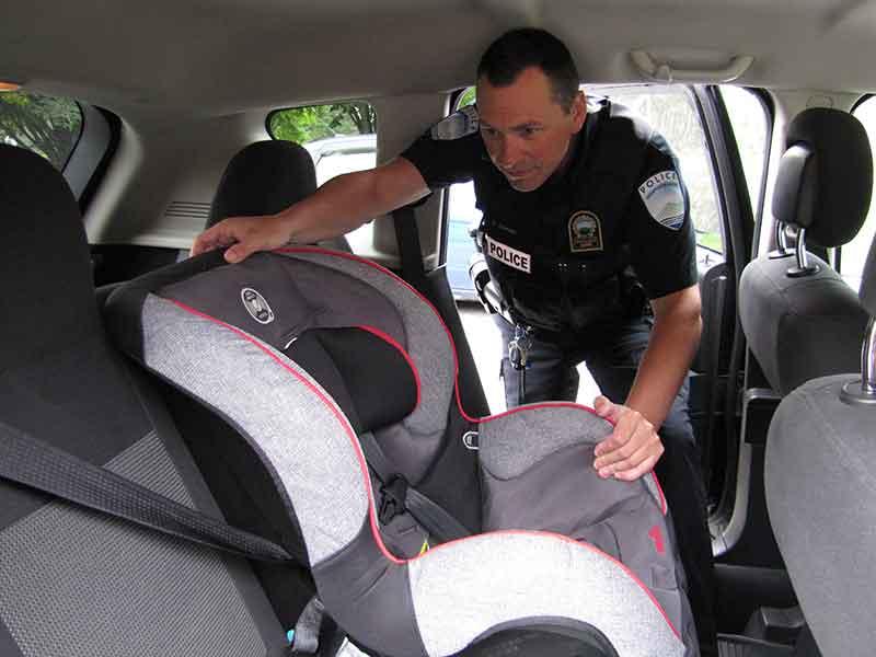 Assistance pour installation des sièges pour enfant