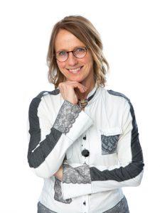 Mme Marie Boivin, membre