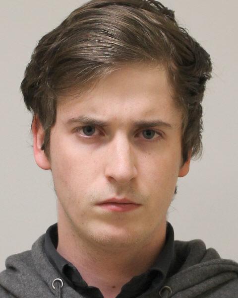 34 chefs d'accusation contre Guillaume DUCLOS-FERLAND, 21 ans